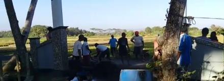 Pelaksanaan Cor blok Dusun Kuwaru