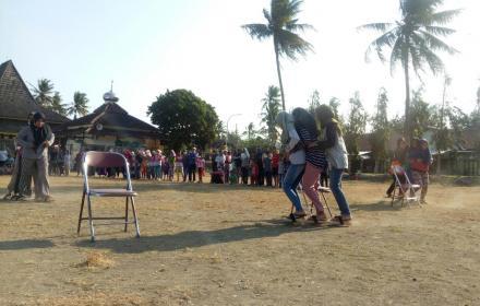 Perlombaan Bakiak Desa Poncosari