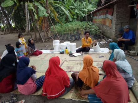 Manfaaatkan Sampah Dapur, BUMDes Mukti Lestari Berikan Sosialisasi Pembuatan Kompos